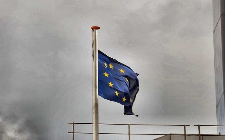 European shares edge lower on earnings, capital hike concerns