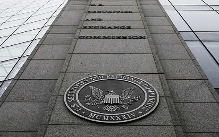 SEC chair pushes hedge funds to be more open on private stock deals