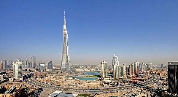 نمو النشاط التجاري للإمارات العربية المتحدة يرتفع الى مستوى قياسي