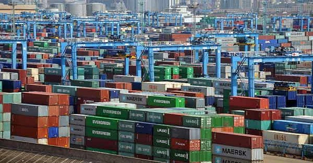 China export growth seen slowing, loans surging in January