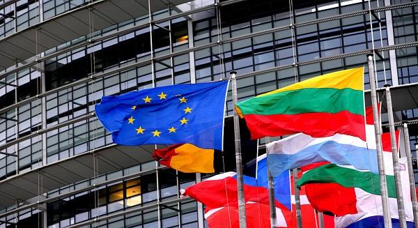 انتعاش الأعمال التجارية في منطقة اليورو على الرغم من انخفاض الأسعار