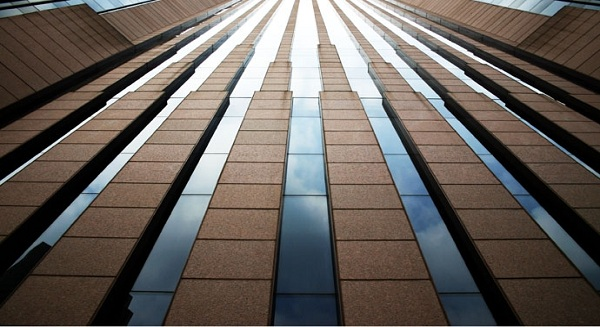London-based Islamic bank EIIB swings back to profit