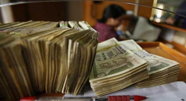 العجز المالي في الهند يضيق إلى 4.5 % من الناتج المحلي الإجمالي في 2013-14