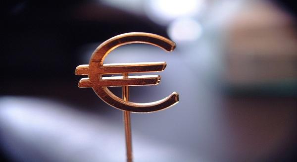 انكماش الاقتصاد القبرصي بنسبة 0.7 % في الربع الاول من العام مع استمرار الركود