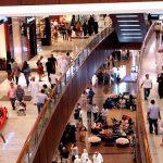 تجار التجزئة في دبي يتمتعون بالتجارة الرائجة