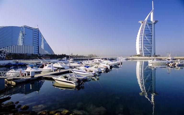 """تقدم الإمارات العربية المتحدة في الإستثمارات العقارية """"ما وراء البحار"""""""