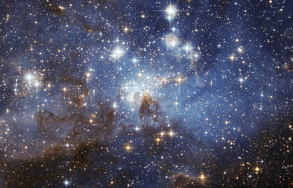 نجوم السماء