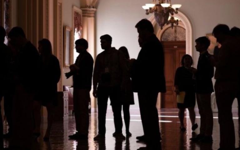 الشيوخ) الأمريكي يمرر قانون التعديل الضريبي واشنطن