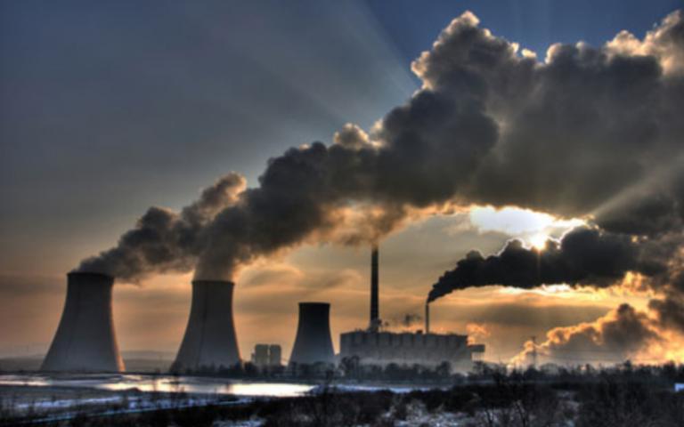 الصين تعتزم إلزام الشركات الملوثة للبيئة بإصلاح الضرر أو دفع تعويضات