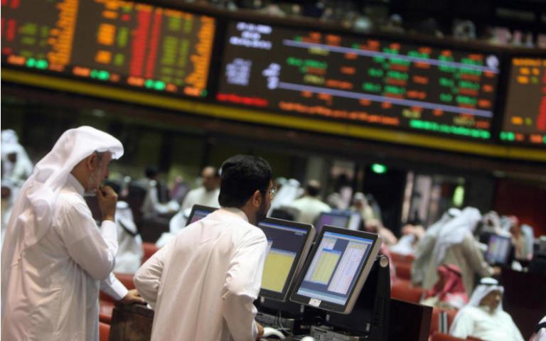 الأسواق الخليجية تقلص من خسائرها عند الافتتاح وترتد إلى المنقطة الخضراء