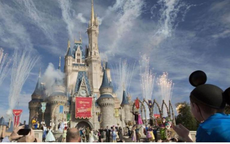 "Walt Disney تستثمر 2.5 مليار دولار في ""ديزني لاند"" باريس"