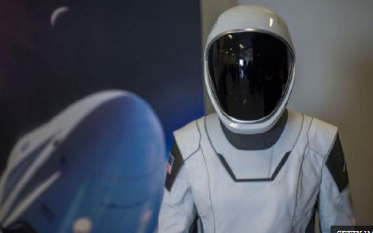 """تزايد عدد رواد الأعمال الذين ينضمون إلى سباق توفير رحلات تجارية بأسعار مخفضة لغزو الفضاء """"نيوسبايس"""""""