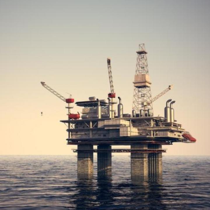 العقويات الأمريكية على إيران أدت إلى صعود أسعار النفط