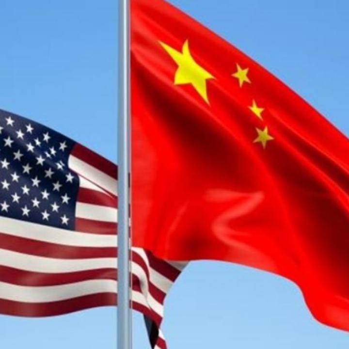 أمريكا تطالب الصين بالتحرك الفوري لخفض الرسوم على السيارات ومكافحة سرقة حقوق الملكية الفكرية ونقل التكنولوجيا