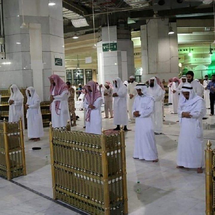 السعودية تسمح بفتح المساجد لأداء صلاة الجمعة